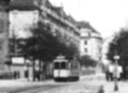 A2-Tw in der Tengstraße bei der Josephskirche einwärts 1908 tram München