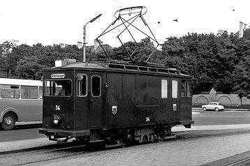 Am Scheidplatz in der alten Schleifenanlage sehen wir den Schörling-Wagen 34 münchen tram