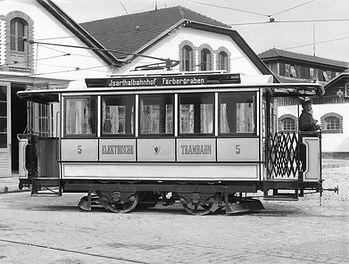 Zur Eröffnung der Tal-Linie der Pferdebahn am 16. Juni 1888 haben sich Honoratioren und Publikum am Isartorplatz versammelt. Archiv FMTM e.V. münchen tram trambahn