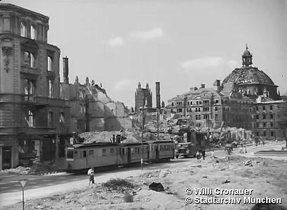 Stachus mai 1945.jpg