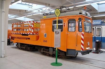 Turmwagen mit Hilfsmotor   Typ: Tu 1.8 Betriebsnummer: 2946 im MVG Musem München tram 2942