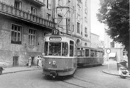 M3-Tw 789 + m3-Bw 1702 an der Endhaltestelle Nikolaiplatz im Juli 1959 tram München