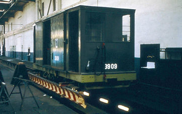 Salzwagen  Typ: s 3.50 Betriebsnummer 3909 in  arbeitsbeiwagen grün münchen tram