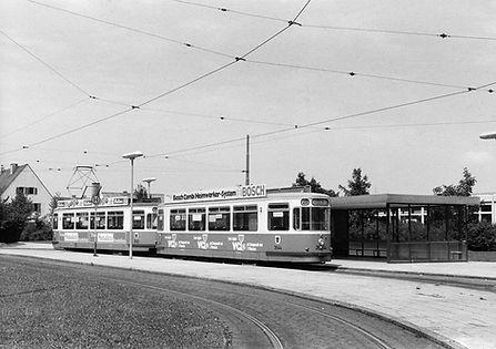 Bw 3544 + Tw 2520 in der Endhaltestelle Harthof tram münchen