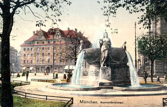muenchen nornenbrunnen (1).jpg
