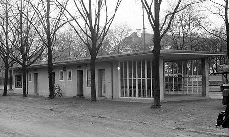 Wartehalle Parzivalpl-221052-VB-L52-390.jpg