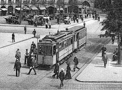 A2-Tw 238 steht an der Haltestelle Stachus auswärts 1913 tram münchen