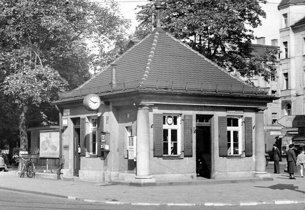Stationshaus Münchner Freiheit-Südwestseite-xx0640-VB-L47-149.jpg