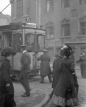 A-Tw 188 an der Endhaltestelle Heilig-Geist-Kirche 1911 münchen tram