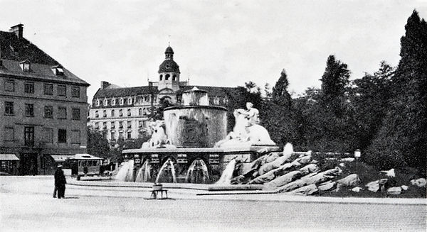 Lenbachplatz_1.jpg