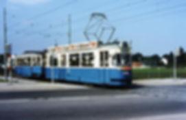 M4-Tw 892 + i4-Bw 3102 an der Südlichen Münchner Straße 6.9.1972 tram München