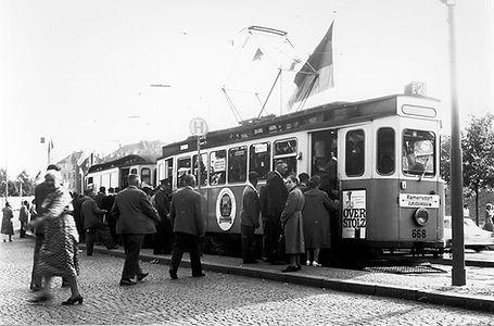 G-Tw 668 + h-Bw an der Haltestelle Theresienwiese einwärts münchen tram