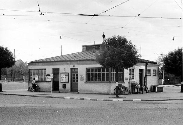 Stationshaus Romanplatz Nordostseite-xx0640-VB-L47-161.jpg
