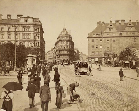 1890 Stachus low.jpg