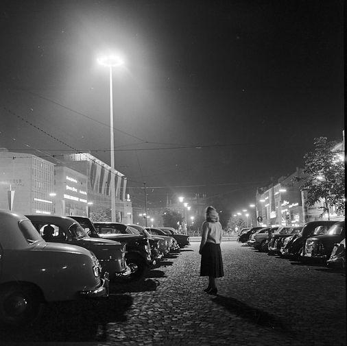 1958 Europas hellste Lampe auf dem Karlsplatz Stachus