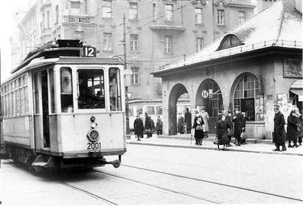 Römer Tw 2001 am Max-Weber-Platz 22.12.1948 tram münchen