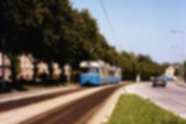 Im Juli 1980 ist P-Zug 2041/3021 auf der Kirchseeoner Straße unterwegs und erreicht gleich die Haltestelle Ramersdorf trambahn tram münchen