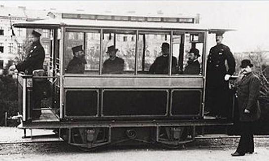 Bild 1  Erste elektrische Tram von Sieme
