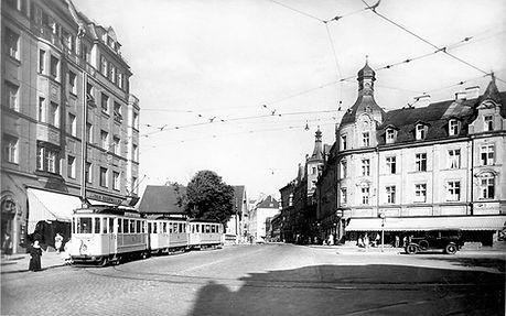 F-Dreiwagenzug an der Endhaltestelle Pasing Marienplatz 1936 München tram