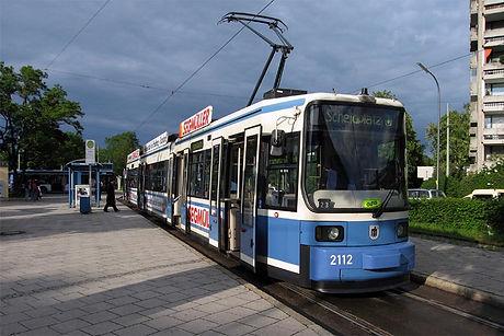 Linie 32 am Petuelring tram münchen
