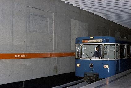 München_U-Bahn_Scheidplatz_26-05-1972__