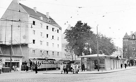 D3-Tw 427 an der Endhaltestelle Kurfürstenplatz 21.10.1951 münchen tram