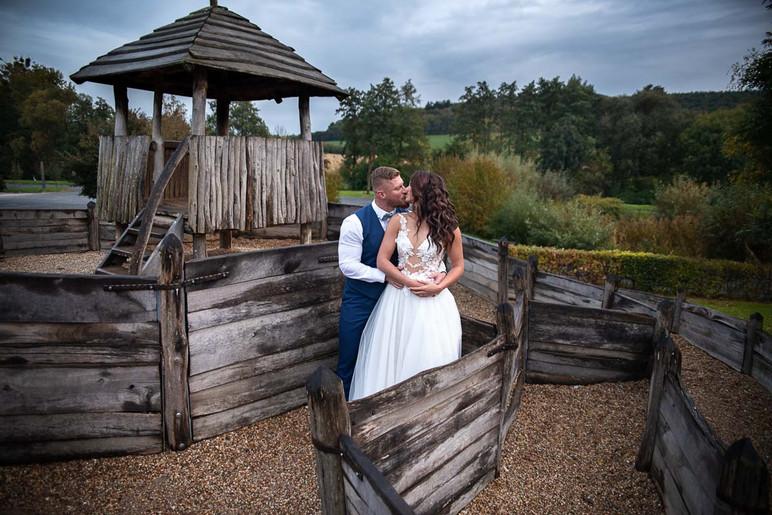 svatební focení v archeoskanzenu na Modré