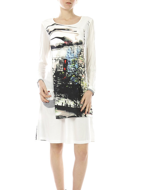 Long Sleeve Dress With Print And a Small Pocket