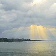 Lipoa Point Sun Rays