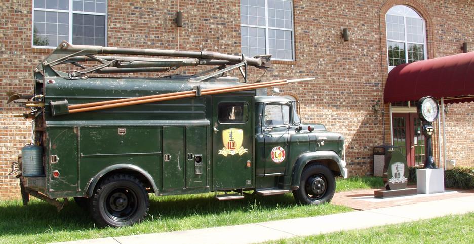 1956 GMC Line Truck