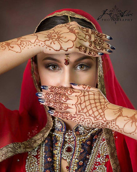 Henna for a photo shoot. Beautiful!