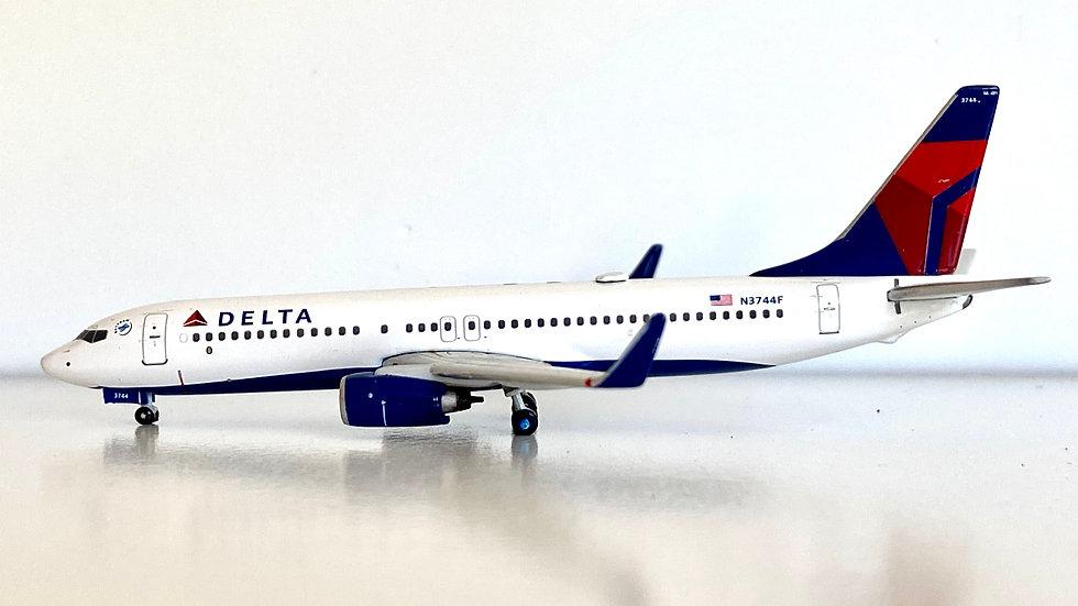 Gemini Jets Boeing 737-800 Delta