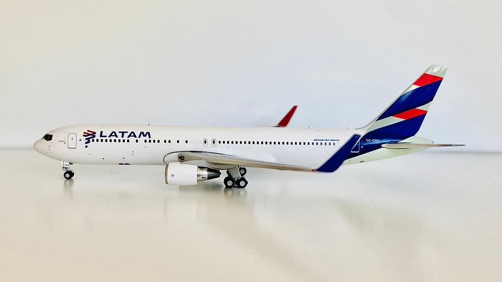 Gemini jets Boeing 767-300 Latam
