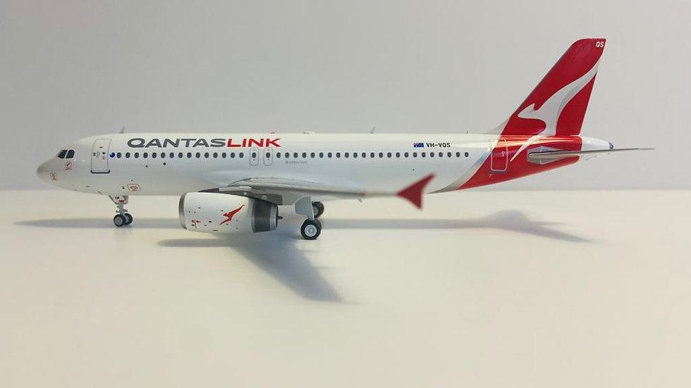 Inflight 200 Airbus A -320Qantas