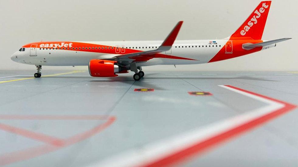 JC WINGS 200 Airbus A-321 Neo EasyJet