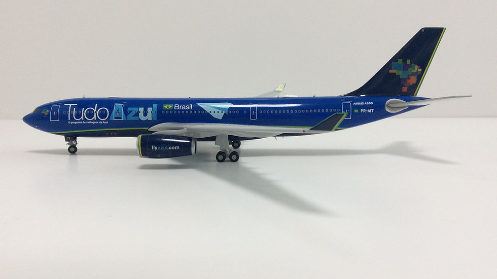 JC WINGS 200 Airbus A-330-200 Tudo Azul