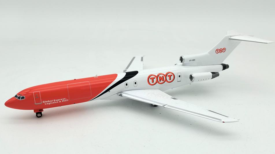 Inflight 200 Boeing - 727 - 200 TNT
