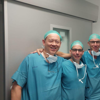 Operating with Drs Ari Derowe, Yoram Ste