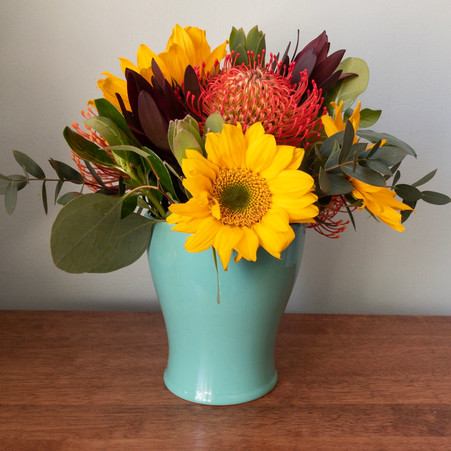 FREE Flower Recipe: Sunflower Round Centerpiece Recipe
