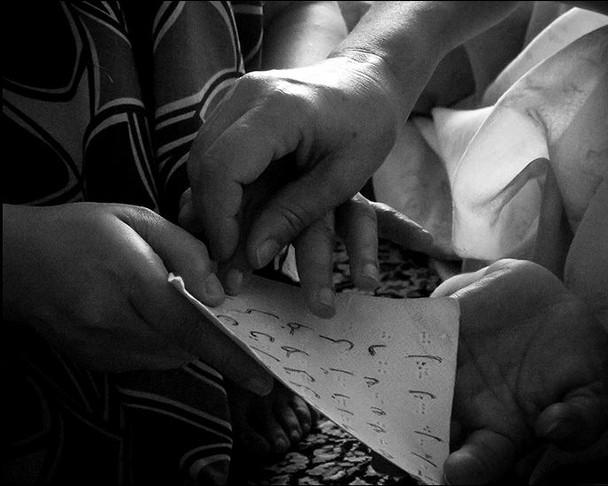 her-hands-7.JPG