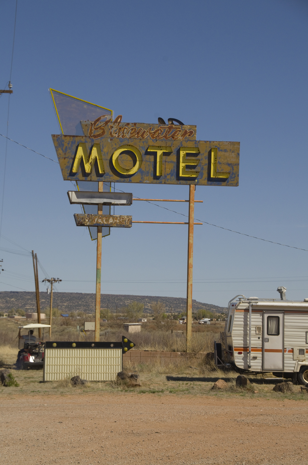 Bluewater Motel (rt 66).jpg