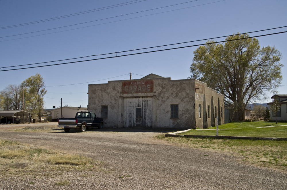 Allen's Garage (old rt. 66).jpg