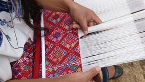 Le tissage de brocart sur métier à ceinture dans les textiles mayas