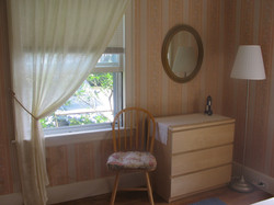 King bedroom bureau