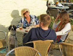 Beach-Pub-at-Polkerris-with-Lynn-and-Gun