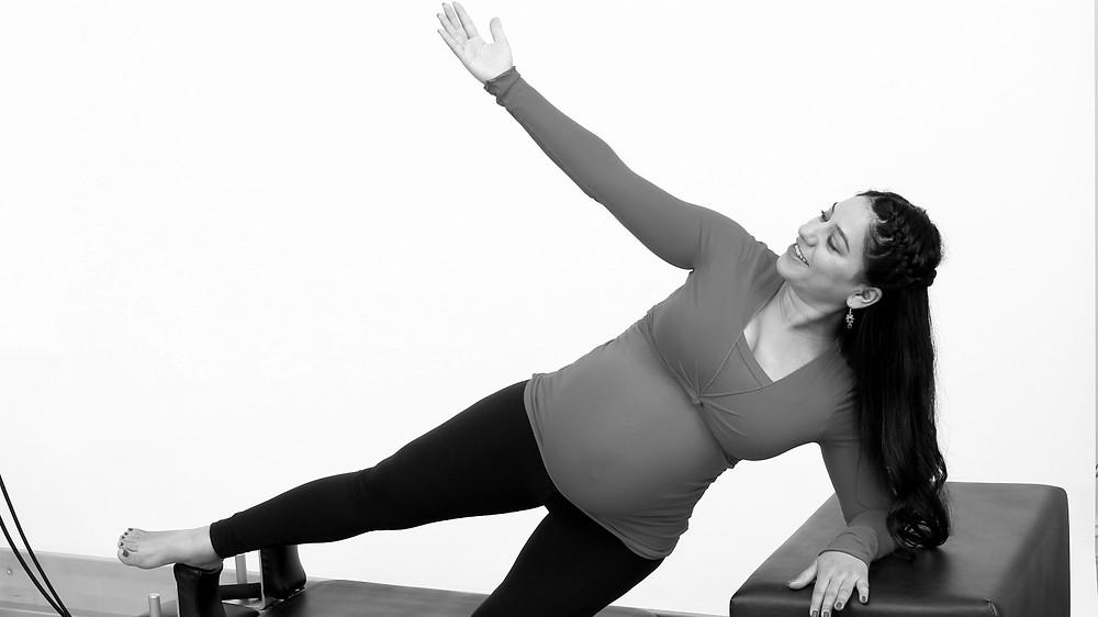 Side plank on the Reformer - prenatal