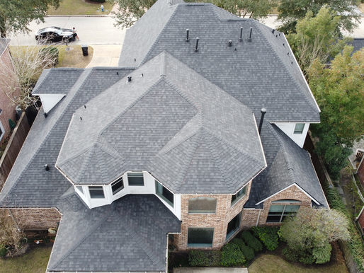 What Are the Advantages of a Shingle Roof?