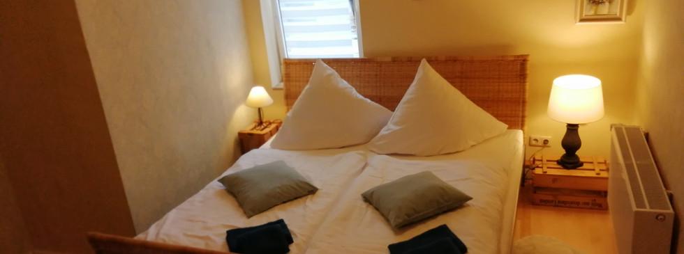 Bett Elternzimmer 1