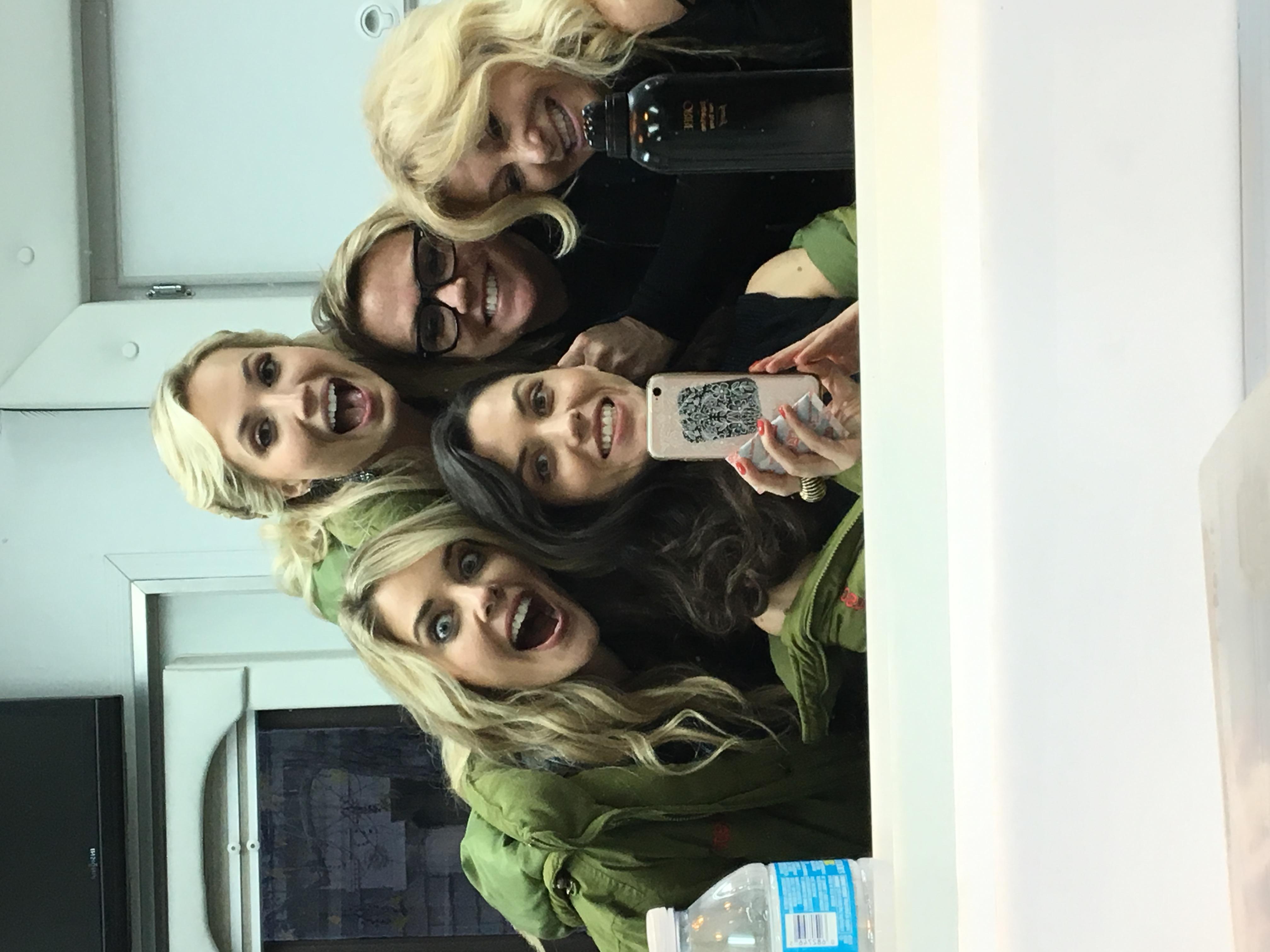 Make up trailer group pic!