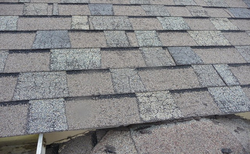 Thermal Cracking, Thermal Splitting , Shingle, Roof, Damaged, Discontinued Shingle, Roof Replacement, Old Roof, Roofing Expert, Free Inspection, Endura-Roof